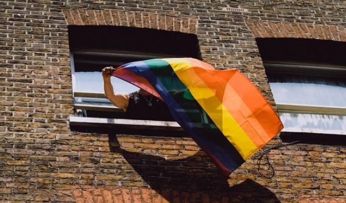La llei LGTBI catalana es va aprovar al Parlament el 2014. Font: Unsplash