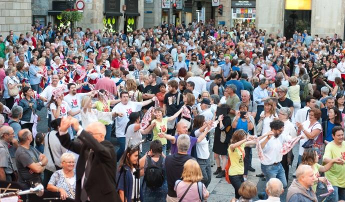Els assistents al MercèDansa s'uneixen al ball. Font: Barcelona Cultura. Font: Barcelona Cultura