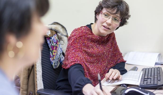L'advocada Beatriz Fernàndez treballa a la Fundació Arrels, una entitat que treballa perquè ningú dormi al carrer. Font: Fundació Arrels