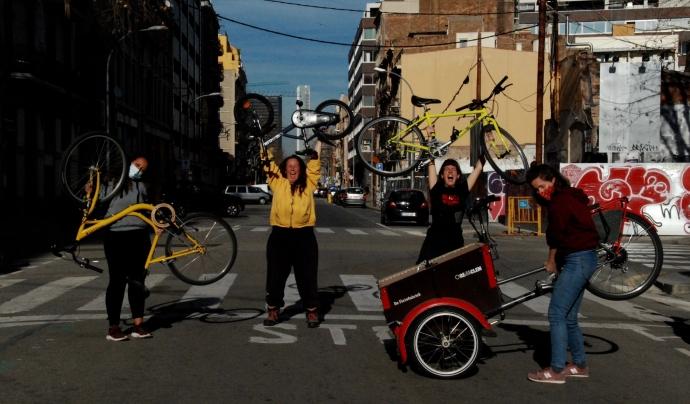 'Equilibrant el temps amb la màquina de la llibertat' és el primer projecte de Cicle de Dones. Font: Biciclot
