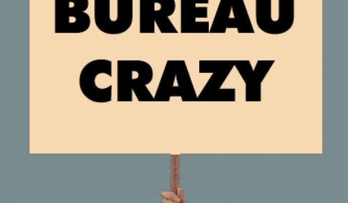 Joc de paraules en anglès 'Bureau' i 'Crazy'. Font: Poetryplacards.blogspot