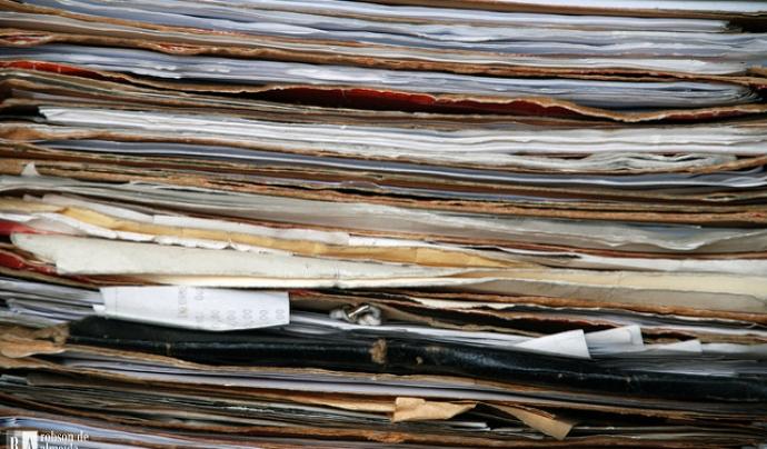 Paperassa, el dia a dia de la burocràcia. Font: Robson de Almelda, Flickr