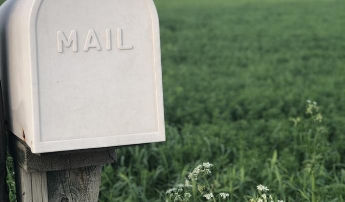 Els avisos ja no es faran a través de correu postal.  Font: Unsplash