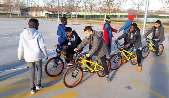 Una de les entitats que ha rebut bicicletes per als joves a Salt. Font: Bicicletes Sense Fronteres