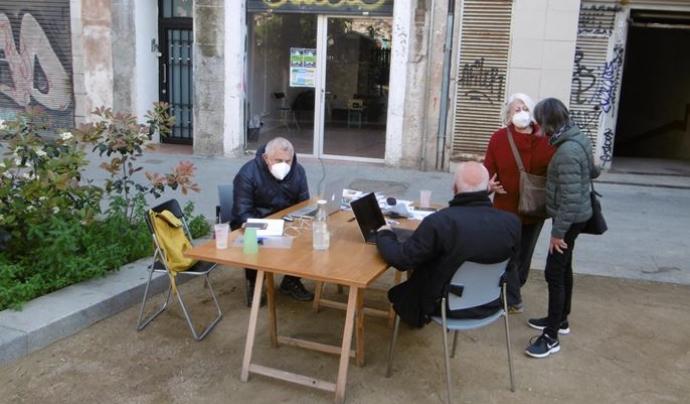 L'equip impulsor de Caixa d'Eines i Feines en una de les reunions habituals. Font: Caixa d'Eines i Feines