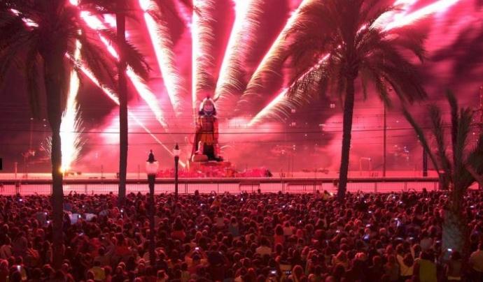 Nit de la Cremada a les Festes de Maig de Badalona