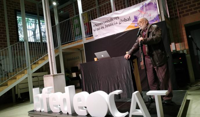 L'activista i economista, Arcadi Oliveres, celebrant els 30 anys de Lafede.cat Font: Twitter @Lafede_cat
