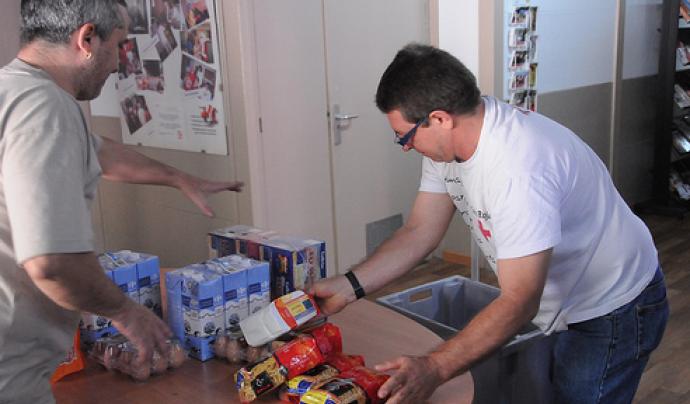 Recollida d'aliments realitzada per Creu Roja Catalunya