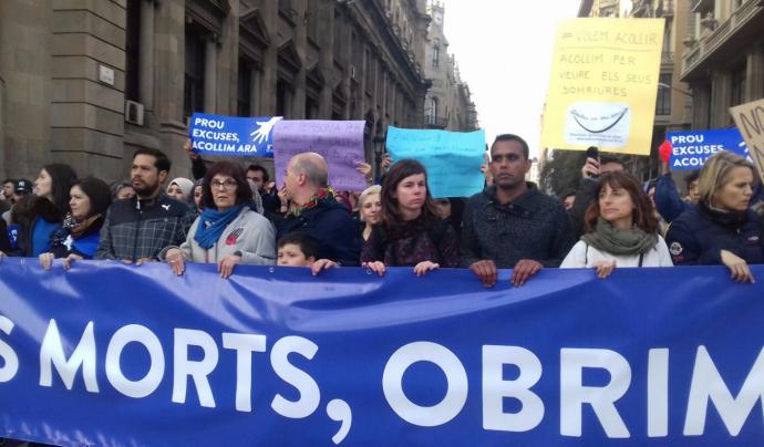 Beatriu Guarro en una manifestació a favor de l'acollida de persones refugiades.