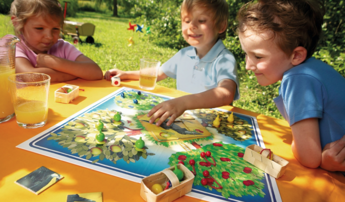 'El Frutal' és un joc cooperatiu per a infants a partir dels tres anys