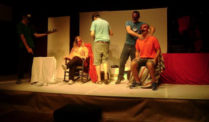 Activitat teatral realitzada en el CAS de Sants.