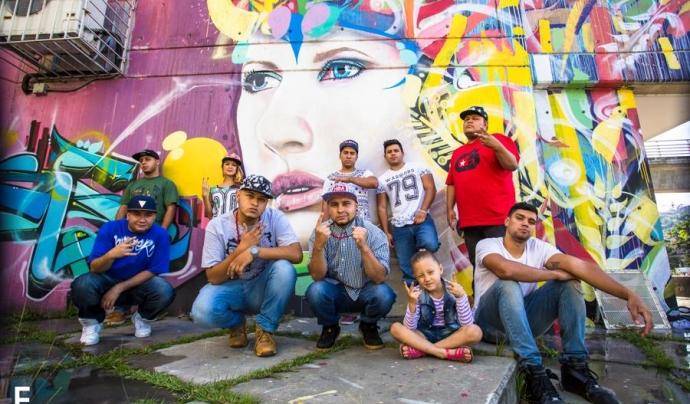 Joves que participen a la Casa Kolacho. Font: Facebook
