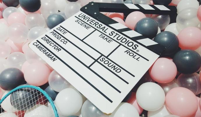 En la indústria de Hollywood, els papers de les dones són minoritaris i determinades per l'home. Font: Unsplash. Font: Font: Unsplash.
