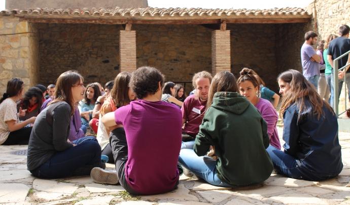 Prop de 2.500 joves eduquen i participen de forma voluntària en l'associacionisme educatiu de la ciutat de Barcelona. Font: Consell Nacional de Joventut de Catalunya