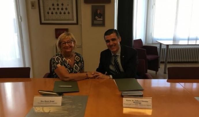 Acte de signatura del conveni entre el Consell de l'Advocacia Catalana i la Confederació Catalana de Persones amb Discapacitat Física i Orgànica (Cocemfe). Font: Consell de l'Advocacia Catalana