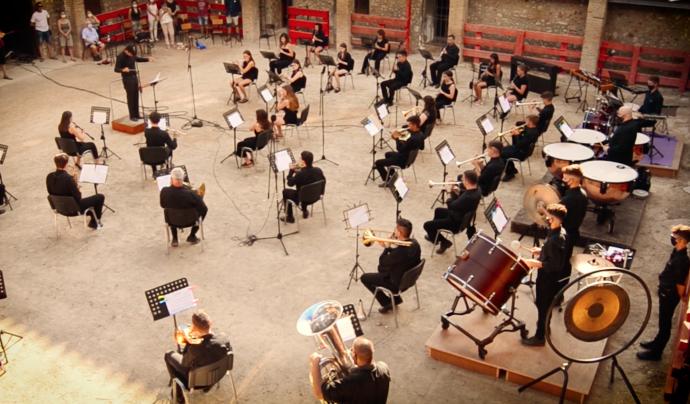 Imatge recent d'un concert on es respecten les mesures de distanciament incloses al protocol.  Font: FCSM