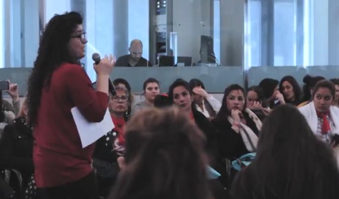 Fotograma del vídeo sobre el II Congreso Internacional de Mujeres Gitanas Font: Drom Kotar Mestipen (Youtube)