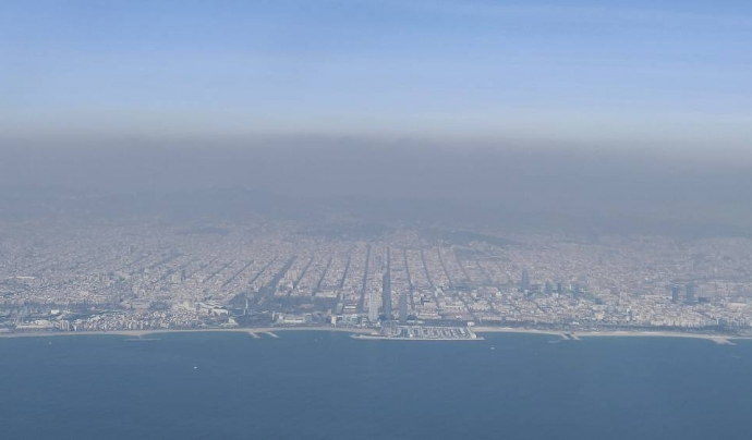 Barcelona suspèn en contaminació atmosfèrica.  Font: El Pais