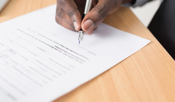 El codi agrupa un total de 22 temes relacionats amb la contractació pública. Font: Unsplash. Font: Font: Unsplash.