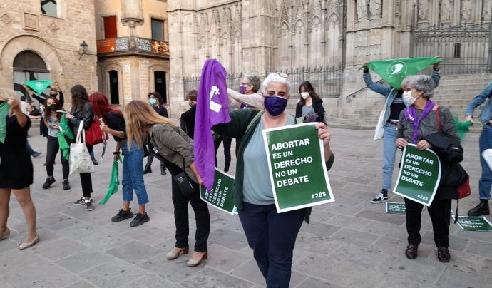Acte a Barcelona per defensar el dret a decidir en l'avortament. Font: Creación Positiva