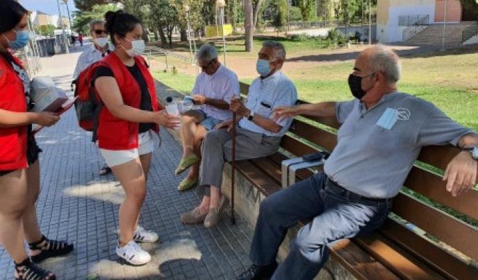 La Creu Roja ha activat la campanya per prevenir l'impacte de la calor en col·lectius vulnerables. Font: Creu Roja