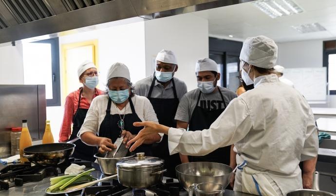 El Projecte Alimenta promou el dret a una alimentació digna, sostenible i saludable entre les persones en situació de vulnerabilitat. Font: Ajuntament de Barcelona