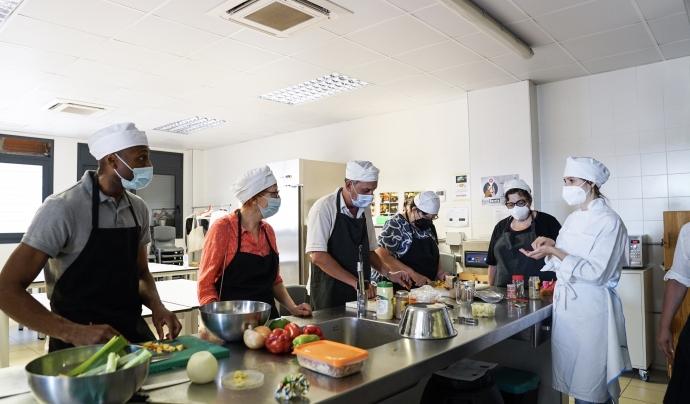 El projecte planteja que hi hagi diverses cuines que es posen a disposició de les persones en situació de vulnerabilitat. Font: Ajuntament de Barcelona