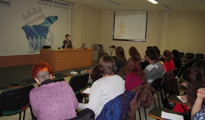 Imatge de l'última sessió formativa sobre violència intragènere que va organitzar l'associació Contramarea