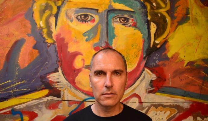 David Marqués és un reconegut director i guionista en tot el territori espanyol. Ha escrit i dirigit títols com 'Dioses y perros'o 'El Club del Paro'. Font: David Marqués. Font: Font: David Marqués.
