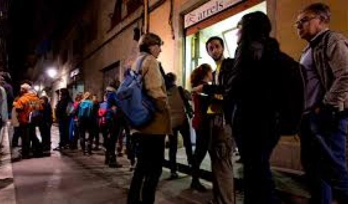 Persones voluntàries durant la nit del cens.