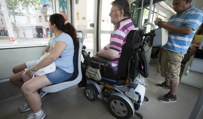 ECOM reclama l'aprovació del Decret d'Accessibilitat a Catalunya per garantir el dret a l'accessibilitat i a la mobilitat personal.  Font: ECOM