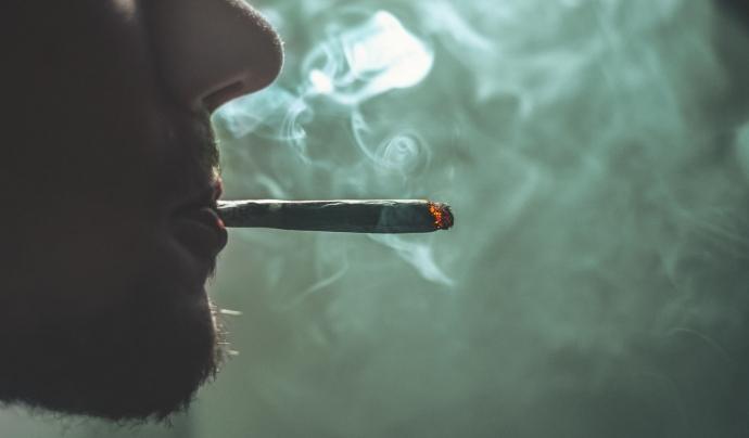 El cànnabis és la droga més consumida entre joves i adolescents. Font: Unsplash. Font: Font: Unsplash.