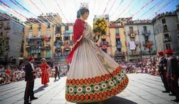 L'Associació de Cultura Popular de La Garrotxa, llança una campanya de micromecenatge per reforçar el Seguici Popular de les Festes.  Font: Festes del Tura