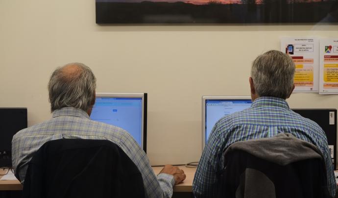 Dues persones usuàries del programa Feina amb Cor
