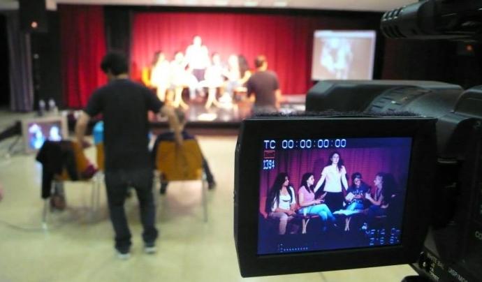 La Veïnal és una proposta de televisió comunitària i participativa per la ciutat de Barcelona  Font: La Veïnal