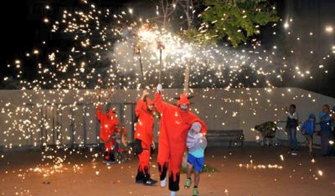 La Plataforma reivindica que la Festa Major és un espai de trobada veïnal, on es mostra el treball de tot un any de les entitats del barri. Font: sants3radio