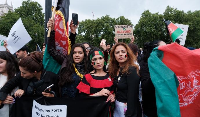 Es tem que en el nou règim les dones afganeses que desenvolupin activitats culturals tornin a estar greument amenaçades. Font: Ehimetalor Akhere Unuabona - Unplash (Llicència CC)