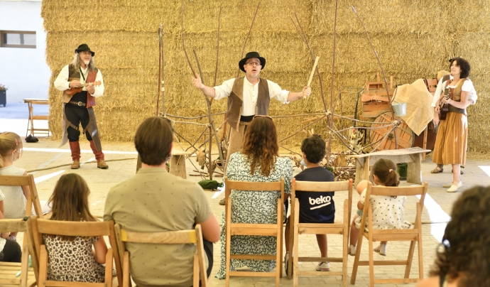 Teatre, música, dansa, titelles i narració es donen cita al Festival de Llegendes, que enguany celebra la 12a edició. Font: Joan Solé.