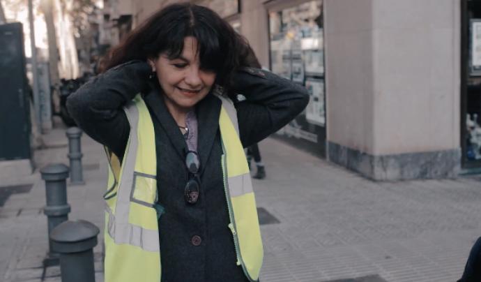 L'Elizabeth, migrada a Barcelona fa vuit anys, ha hagut de rebaixar el seu currículum per trobar feina. Font: Betevé