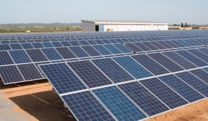 Ecoserveis aposta per ús més racional de l'energia, basat en l'estalvi, l'eficiència energètica i la generació renovable i local. Font: Xarxanet