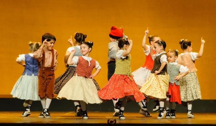 Èxit a la festa d'aniversari del quart de segle de l'entitat al Teatre de Can Gomà. Font: Joan Parera
