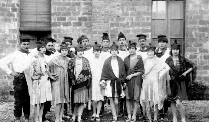 Imatge històrica de l'entitat molletana. Font: Arxiu Esbart Dansaire