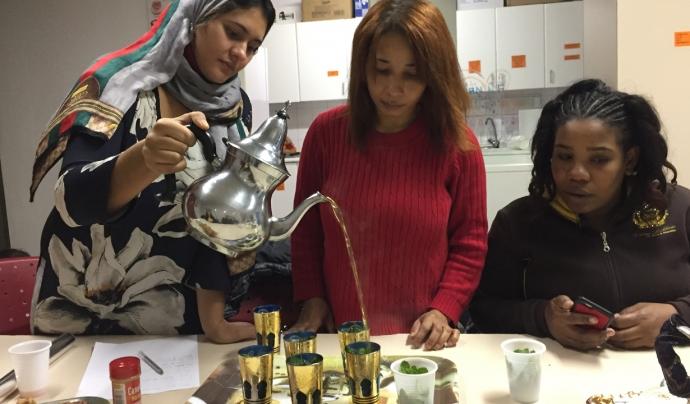 Moment per prendre el te Font: Fundació Social del Raval