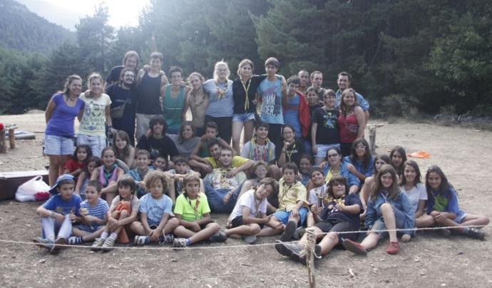 Infants i joves de l'Agrupació Escolta i Guia de Sant Adrià