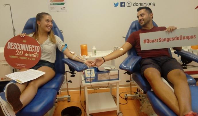 """Persones donant sang a la campanya """"Anima't a donar sang"""" Font: Banc de Sang i Teixits"""