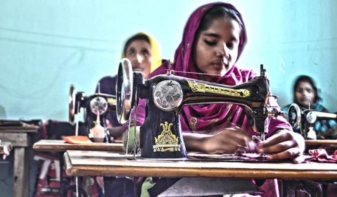 Manufacurant roba Font: Eco Warrior Princess