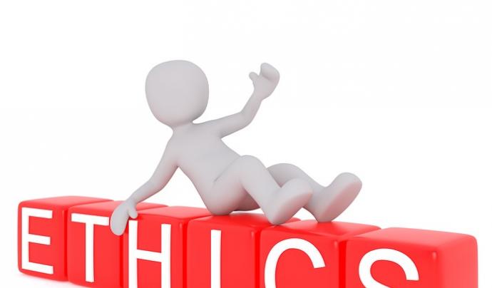 """Ninot sobre lletres que diuen """"Ethics"""""""
