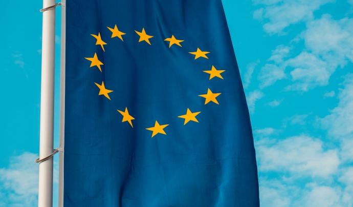 Per presentar-se a una convocatòria de la comissió europea, cal tenir en compte que s'ha de participar amb una xarxa d'entitats europees especialitzades en la mateixa temàtica. Font: Unsplash. Font: Font: Unsplash.