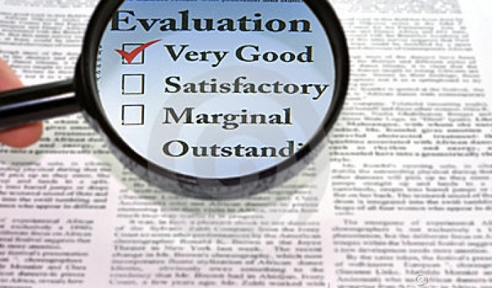 evaluation. Font: decimal (dreamstime)