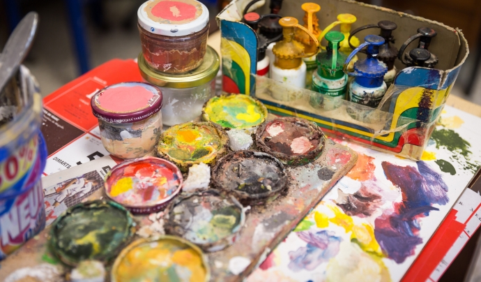 Mostra de pintures que s'utilitzen a l'escola Font: Toni Galitó